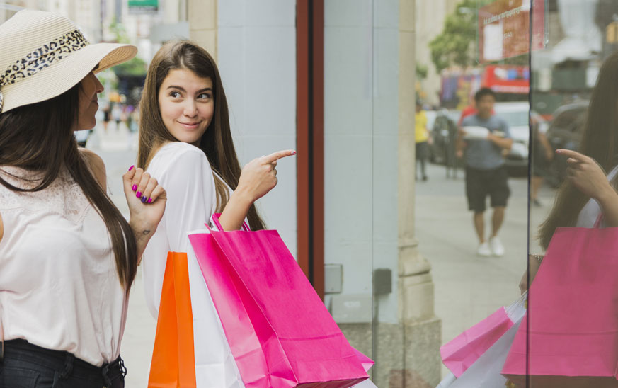 15 Ideas de Decoración de tiendas de ropa pequeñas ????