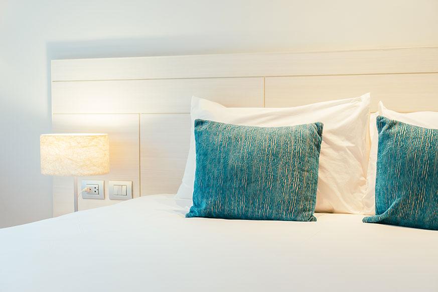 Cojines para camas matrimoniales en azul
