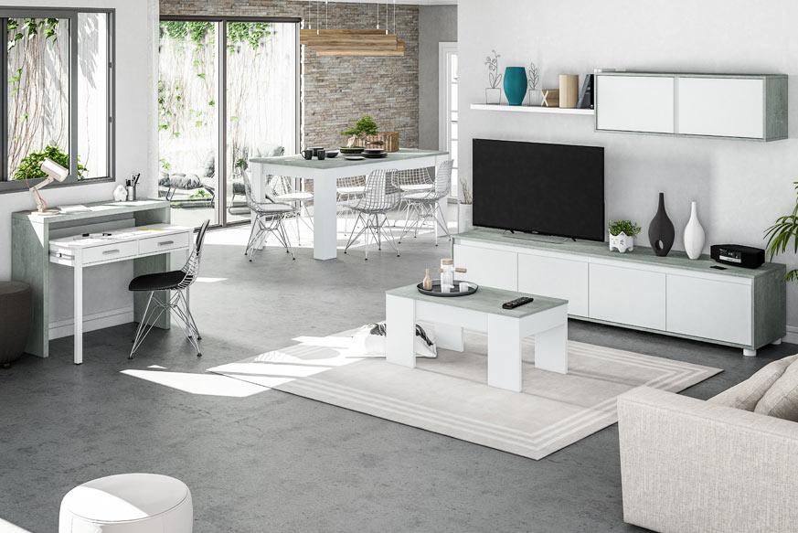 Pack de salón compuesto por un mueble modular de salón y una mesa de centro elevable en la parte derecha de la imagen, una mesa de escritorio extraíble en la parte izquierda y una mesa de comedor con cuatro sillas en el centro. Todo esto, acabado en color blanco y cemento (gris).