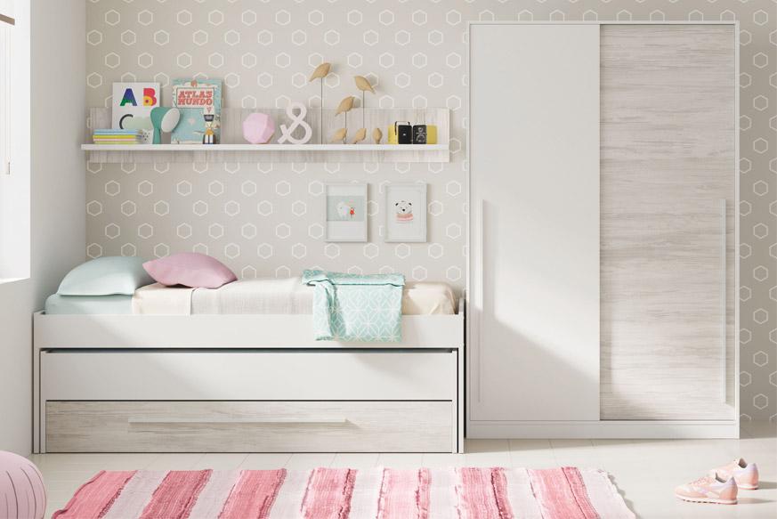 Dormitorio juvenil compuesto por una cama nido con estante superior y un armario en color blanco y madera clara
