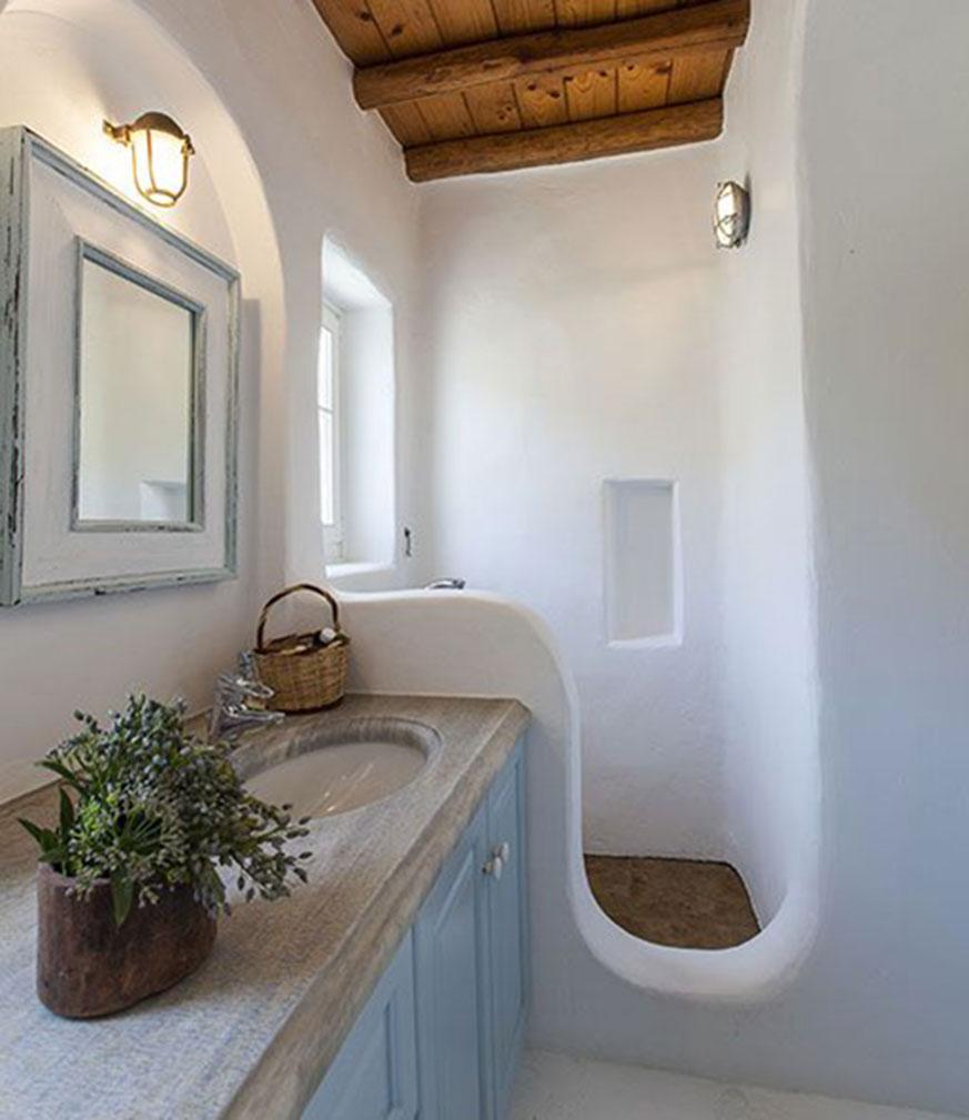 Baño con decoración estilo mediterráneo
