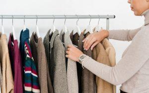 Como guardar abrigos en poco espacio, ideas y consejos