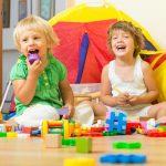 Distintos muebles para guardar juguetes: mantén todo en orden